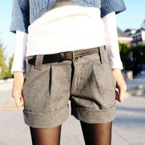 Gray cuffed size large wool textured shorts